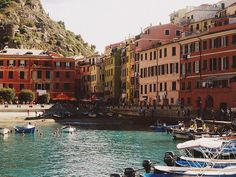 Cinque Terre by Andrea Meza (via eurotripper)