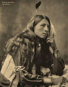 Richard White Bull (the husband of Ella Pine Bird-White Bull) - Oglala - 1899 Native American Wisdom, Native American Beauty, Native American History, American Indians, American Symbols, American Women, American Art, Into The West, Native Indian