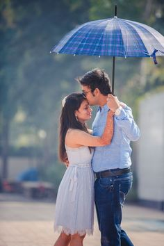 Some color co-ordinated love for their pre wedding photoshoot.