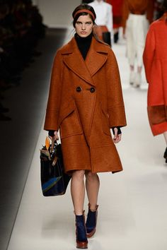 Fendi Fall 2015 RTW Runway – Vogue your fav oversized coat orange