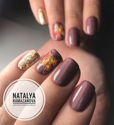 35 Fall Nail Art Designs You'll Love Fall nail art designs are all unique and special, and you are bound to be aware of all the versatility available. Best autumn manicure ideas are here at your disposal! Fancy Nails, Trendy Nails, Love Nails, My Nails, Chic Nails, Fall Nail Art Designs, Nail Polish Designs, Nails Design, November Nails