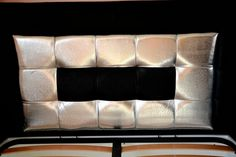 Tablie de pat realizata din pal hidrofugat tapitata in piele de bovina naturala si piele imitatie strut ,piele pisica de mare