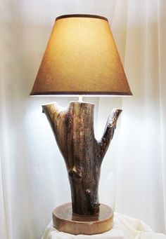 Rustic Log Lamp. Looks awesome.