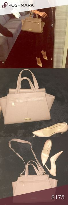Zac Posen purse Zac Posen nude colored purse with gold hardware. Can be carried on arm or shoulder. Great condition Zac Posen Bags Shoulder Bags