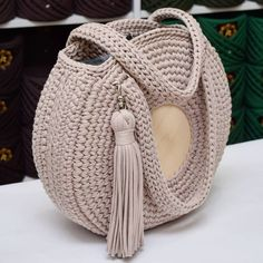 Best 12 Boho Crochet Bags – how to make your own OOAK bag – MotherBunch Crochet – SkillOfKing.Com – SkillOfKing. Crochet Backpack, Crochet Tote, Crochet Handbags, Crochet Purses, Knit Crochet, Crochet Baskets, Crochet Round, Love Crochet, Crochet Shoulder Bags