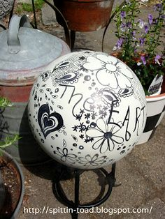 Spittin Toad: From Bowling Balls to Garden Art