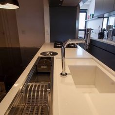 Remodeling Your Bathroom Choosing Your New Kitchen Sink Home Decor Kitchen, Kitchen Furniture, New Kitchen, Home Kitchens, Kitchen Dining, Kitchen Sinks, Modern Kitchen Design, Interior Design Kitchen, Küchen Design