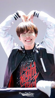 Our beautiful sunshine Hoseok shall shine forever brightly and give us light and hope in our eyes.