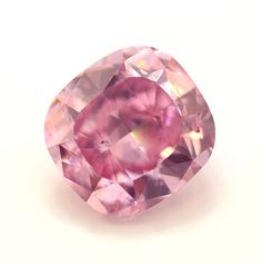loose diamonds : Image Description 'The Leibish Pink Promise' diamond, a rare fancy-vivid purplish-pink diamond from Leibish & Co. Pink Jewelry, Jewelry Show, Luxury Jewelry, Diamond Jewelry, Diamond Rings, Jewlery, Gem Diamonds, Colored Diamonds, Gems And Minerals