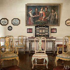 Count Raniero Gnoli's Italian Home -Architectural Digest, Italian Painted Furniture, Hand Painted Furniture, Plaster Stencils, Italian Style, Plaster Walls,Renaissance, Italian Decorating