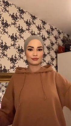 New Hijab Style, Hijab Turban Style, Mode Turban, Niqab Fashion, Modest Fashion Hijab, Street Hijab Fashion, Turban Outfit, Hijab Outfit, Wedding Hijab Styles