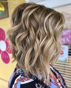 Give your hair some fresh style with this wavy angled bob. Wavy Angled Bob, Angled Bobs, Angled Bob Hairstyles, Latest Hairstyles, Short Hair Cuts, Hair Trends, Angles, Fresh, Long Hair Styles