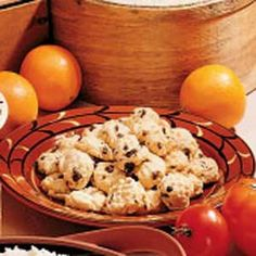 Diabetic Orange Cookies recipe from Taste of Home. One serving (2 cookies) equals 102 calories, 4 g fat (0 saturated fat), 0 cholesterol, 137 mg sodium, 14 g carbohydrate, 0 fiber, 2 g protein. Diabetic Exchanges: 1 starch, 1/2 fat.