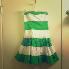 Abercrombie & Fitch green and white dress medium Green and white striped dress size medium. No rips or stains. Cannot model but feel free to ask me other questions. Price is firm. Abercrombie & Fitch Dresses