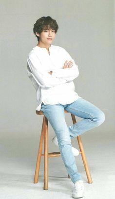 Devil in white but he's tae 💜 so I'm ok Daegu, V Taehyung, Namjoon, Foto Bts, Bts Photo, Bts Bangtan Boy, Bts Boys, Theme Bts, Bts Kim