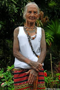 Filipino Kalinga Tattoos - I want this lady's tattoos AND outfit!