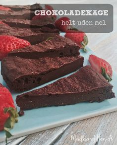 Chocolate cake without flour [in Danish] Köstliche Desserts, Low Carb Desserts, Low Carb Recipes, Delicious Desserts, Crazy Cakes, Cake Recipes, Snack Recipes, Dessert Recipes, Keto Snacks