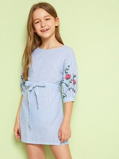 Product name: Girls Slit Knot Back Stripe Shell Top & Shorts Set at SHEIN, Categ. - Product name: Girls Slit Knot Back Stripe Shell Top & Shorts Set at SHEIN, Category: Girls Two-piece Outfits Source by - Girls Summer Outfits, Dresses Kids Girl, Outfits For Teens, Cute Dresses, Girl Outfits, Girls Fashion Clothes, Little Girl Fashion, Kids Fashion, Fashion Outfits