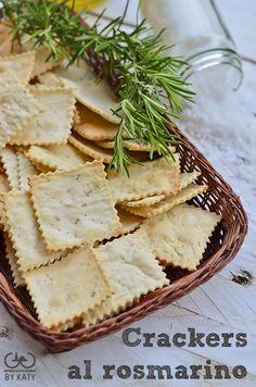 Crackers al rosmarino, io non li compro più. Crackers, Healthy Cooking, Cooking Recipes, Tuna Fish Recipes, Creative Food, Crepes, Street Food, Italian Recipes, Appetizer Recipes
