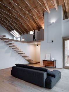 Modern barn-style house located in Sondrio, Italy, designed in 2017 by Rocco Borromini. Minimalist Architecture, Contemporary Architecture, Interior Architecture, Small House Layout, House Layouts, Casa Loft, Loft House, Tiny House, Rustic Stairs