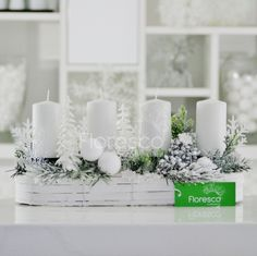 Adventní svícen na stůl stříbrný Květinářství Floresco Vyrobila Šárka Pleskačová Advent Wreath Candles, Pillar Candles, Candle Holders, Wreaths, Seasons, Table Decorations, Christmas, Home Decor, Xmas