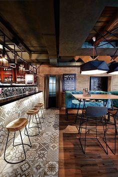 Rolls Novinka Cafe / ALLARTSDESIGN Bar Deco, Deco Cafe, Restaurant Concept, Modern Restaurant, Hotel Restaurant, Bohemian Restaurant, Butcher Restaurant, Riverside Cafe, Coffee Shop Design