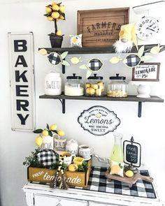 Farm Kitchen Ideas, Lemon Kitchen Decor, Kitchen Decor Themes, Farmhouse Kitchen Decor, Urban Farmhouse, Sunflower Kitchen Decor, Farmhouse Style, Decor Scandinavian, Summer Kitchen