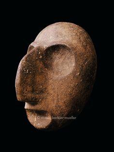 Masque, période Woodland, Hopefull tardif, Ohio, USA. / Fleurons. / Musée Barbier-Mueller, Genève.