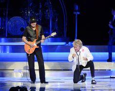 Rod Stewart New York   Photos: Rod Stewart and Carlos Santana Perform Together