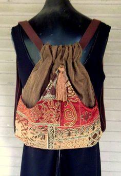 Ricos en borla marrón marrón tapiz mochila viejo mundo Boho mochila Renacimiento mochila de gobelino
