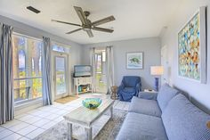 This 1-bedroom vacation home is just across from the Crab Trap in Destin.  Plan your beach vacation here now! Destin Rentals, Crab Trap, Beach Villa, Beach Homes, Destin Beach, Florida Vacation, Beach Fun, Relax, Bedroom