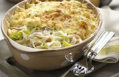 This casserole is a nice noodle bake with Cheddar cheese, ham, and broccoli. Bake this Cheddar ham and noodle casserole for a family meal or potluck supper. Ham And Noodle Casserole, Ham Casserole, Cabbage Casserole, Broccoli Casserole, Casserole Dishes, Broccoli Bake, Sauce Recipes, Pork Recipes, Cooking Recipes