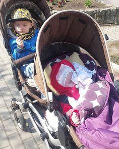 thanks @matka_trojki #abcdesign #thinkbaby #tandem #doublepushchair #pushchair #zoom #kinderwagen #stroller #abcdesign_zoom #twin #twins #kids #children #sunny #sleep #baby #minions #strolling #outside