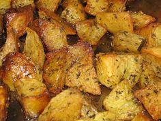 Potatoes, Chicken, Vegetables, Food, Potato, Essen, Vegetable Recipes, Meals, Yemek