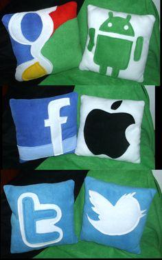 """Geek Pillows"" cojines decorativos"