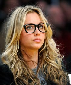 Kaley Cuoco-Sweeting Pictures - Phoenix Suns v Los Angeles Lakers ...