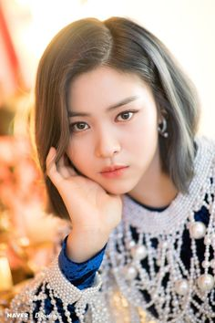 ITZY's Ryujin the second mini album 'IT'z ME' promotion photoshoot by Naver x Dispatch. Kpop Girl Groups, Korean Girl Groups, Kpop Girls, K Pop, Asian Hotties, These Girls, New Girl, Mini Albums, Cool Girl