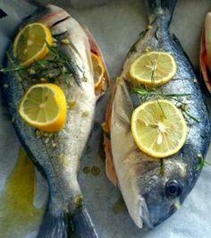 ORATA AGLI AGRUMI IN CARTOCCIO - www.iopreparo.com: un raffinato e saporito secondo di pesce, preparato con il profumo degli agrumi in cartoccio. Si prepara senza troppo impegno. Ideale anche per una cena in famiglia.