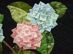 Hydrangea ( Cut ' circle, fold sides inward toward the center to form a squa. - Hydrangea ( Cut ' circle, fold sides inward toward the center to form a square, then fold corners inward toward center once again. 3d Quilts, Mini Quilts, Applique Quilts, Quilting Tutorials, Quilting Projects, Sewing Projects, Quilting Tips, Fabric Art, Fabric Crafts