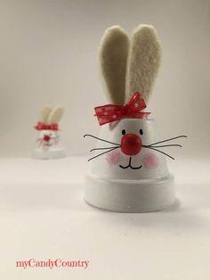 Coniglietti pasquali fai-da-te riciclando vasi in terracotta