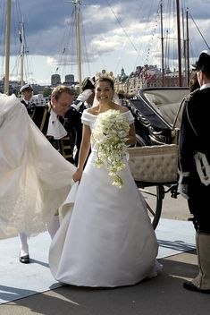 Victoria, 2010 Princess Victoria Of Sweden, Princess Estelle, Crown Princess Victoria, Famous Wedding Dresses, Queen Silvia, Swedish Royals, Royal Weddings, Royal Families, Crowns