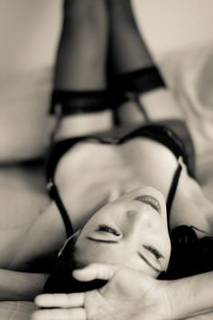 An Intimate Wedding Gift for Your Man: Boudoir Photography