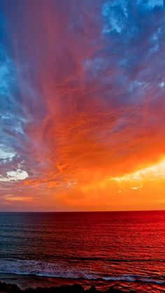 I live in San Diego.How did I ever miss this gorgeous sky? qVirga cloud at sunset in San Diego, California Beautiful Sunset, Beautiful World, Beautiful Places, Beautiful Pictures, All Nature, Amazing Nature, Nature Quotes, Sunset Quotes God, Amazing Sunsets