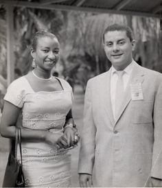 1969 The two greatest salseros in the world: Celia Cruz from Cuba and Tito Puente from Puerto Rico. Musica Salsa, Puerto Rican Culture, Afro Cuban, Vintage Black Glamour, Latin Music, Jazz Musicians, Music Icon, Puerto Ricans, Comedians
