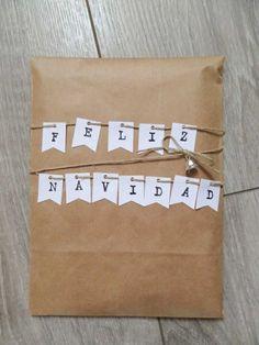 15 ideas to wrap your Christmas presents - El Baúl de Edenia - Oscar Wallin Christmas Gift Wrapping, Christmas Diy, Craft Gifts, Diy Gifts, Gift Wraping, Gift Labels, Cute Packaging, Present Gift, Birthday Diy