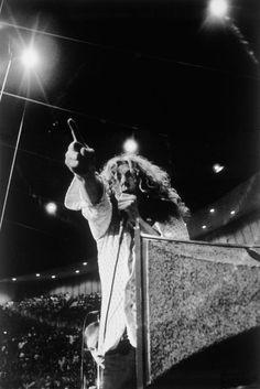 Robert Plant. S)