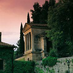 Tempietto del Clitunno - From June 25, 2011 UNESCO World Heritage, Perugia umbv