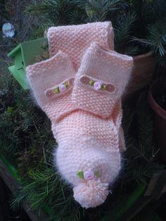 gehäkelter Schal und  Handwärmer super weich und echt Sweet....