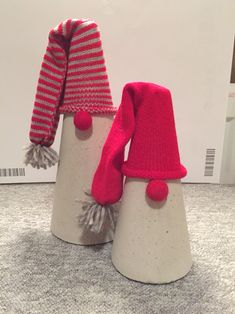 Bildergebnis für beton i nylonstrømpe - Beton Diy Kids Christmas, Handmade Christmas, Christmas Crafts, Concrete Crafts, Concrete Projects, Clay Christmas Decorations, Papercrete, Crafty Craft, Diy And Crafts