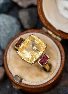 5 Carat Yellow Sapphire Cocktail Ring w/ Tourmaline Accents 18K Gold . Sku AS17978 Engagement Rings Couple, Big Rings, Vintage Jewelry, Unique Jewelry, Bridal Jewellery, Cocktail Rings, Colored Diamonds, Pink Fashion, Women's Fashion